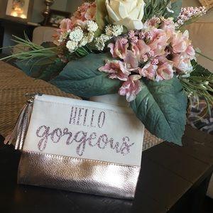 Handbags - Makeup tote bag to take with you on the go!